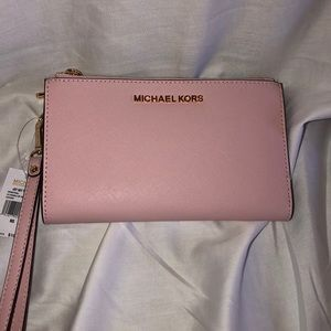 NWT Michael Kors jet set travel wallet/wristlet